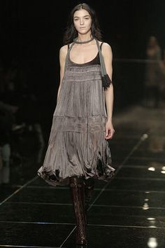 Burberry Fall 2005 Ready-to-Wear Collection Photos - Vogue