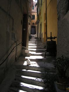 On a side street in Vernazza