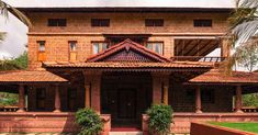 room designs in kerala style Village House Design, House Front Design, Village Houses, Small House Design, Kerala Traditional House, Traditional Home Exteriors, Traditional House Plans, Courtyard House Plans, Courtyard Design