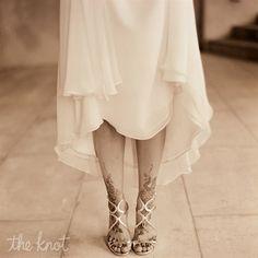 OMGoodness I LOVE it! Henna feet tattoo