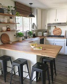 Modern Farmhouse Kitchens, Farmhouse Kitchen Decor, Home Decor Kitchen, New Kitchen, Home Kitchens, Rustic Farmhouse, Kitchen Small, Farmhouse Style, Kitchen Wood