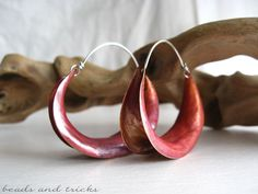 Anticlastic raised earrings in copper and sterling silver. Red patina | Handmade by Beads and Tricks