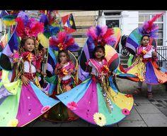 E' appena iniziato a Londra il carnevale di Notting Hill. La manifestazione si ripete ogni anni dal 1965, nell'ultimo weekend di Agosto, ed è la festa caraibica più grande al mondo dopo il carnevale di Rio de Janeiro.