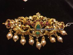Pachi Chokers by Pushkala Jewellers Gold Earrings Designs, Gold Jewellery Design, Gold Jewelry, Gold Designs, Gold Necklaces, Necklace Designs, Pendant Jewelry, Gold Pendent, Jewelry Model