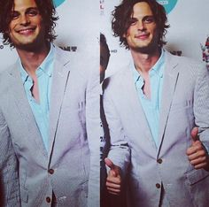 ugh I LOVE it when he wears a suit <3 Spencer Reid Criminal Minds, Dr Spencer Reid, Dr Reid, Matthew 3, Matthew Gray Gubler, James Franco, Hombres Sexy, Love Him, Crimal Minds