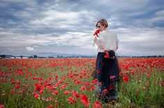 the girl of red poppies