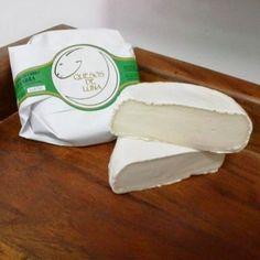 QUESO DE CABRA CREMOSO. QUESO DE LUNA (350GR)Medalla de plata en los World Cheese Awards 2016 Dairy, Cheese, Food, Goat Cheese, Goats, Silver, Essen, Meals, Yemek