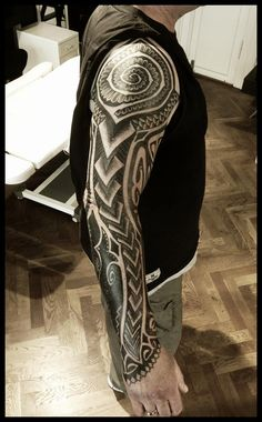Some of the work of Peter Madsen, one of the greatest tattoo artists I've ever seen. - Imgur