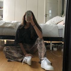 New fashion trends and outfits for teens and young women in 2019 ados coréenne femme haute couture tendance chic Mode Outfits, Trendy Outfits, Summer Outfits, Fashion Outfits, Womens Fashion, Fashion Trends, Fashion Belts, Grunge Outfits, Winter Outfits