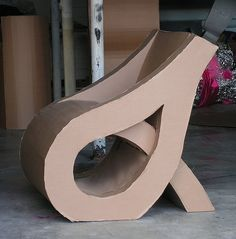 Are you looking for ideas for creative and eco-friendly furniture? Then browse through our 60 suggestions for charming cardboard furniture. Cardboard Chair, Diy Cardboard Furniture, Cardboard Crafts, Recycled Furniture, Unique Furniture, Diy Furniture, Types Of Furniture, Furniture Projects, Duct Tape Colors