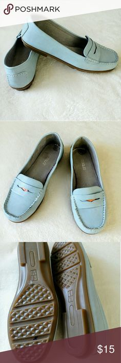 "Light Blue Faux Leather Penny Loafers Super cute for Spring and Summer!! In very nice shape! Pic 2 shows where the size stickers were put. Comfy gray suede look interior. Measuring 9.5"" long and 3.23"" widest width of sole. Pic 6 shoes 2 teeny dots AEROSOLES Shoes Flats & Loafers"