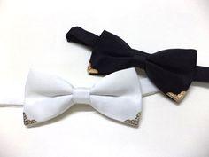 Black bowtie with gold colour metal tips, mens bow tie, wedding, groom, groomsmen, black bow tie, retro,Victorian style,pre-tied