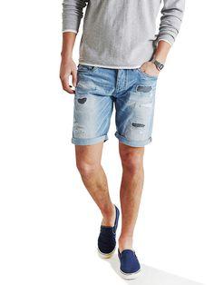 ORIGINALS by JACK & JONES - Mittellange Shorts von ORIGINALS - Regular fit - 5-Taschen-Stil - Eingriff mit Knopfverschluss - Breaks, Bleichungen und Ausbesserungen sorgen für einen getragenen Look 100% Baumwolle...