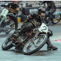 Best Harley Davidson bobber pics Old school - Japan style Motos Vintage, Vintage Bikes, Vintage Motorcycles, Custom Motorcycles, Custom Bikes, Custom Cycles, Harley Bobber, Bobber Motorcycle, Bobber Chopper