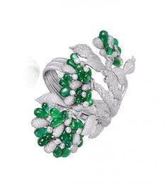 Van Cleef and Arpels Jewelry Art, Antique Jewelry, Vintage Jewelry, Fine Jewelry, Jewelry Design, Jewelry Making, Vintage Costume Jewelry, Vintage Costumes, Van Cleef And Arpels Jewelry