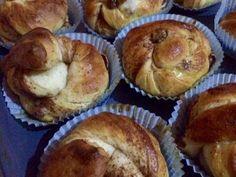 Κάνελ μπούλαρ: Τα ανατολίτικα τσουρεκάκια με ζάχαρη και κανέλα Breakfast Time, Cupcake Recipes, Cinnamon Rolls, Nutella, Wedding Cakes, Muffin, Cooking Recipes, Cupcakes, Foods