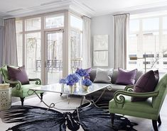 Designer Samantha Todhunter went for a light and airy look in this Chicago living room. - Traditional Home ® / Photo: Werner Straube Living Room Green, Home And Living, Pantone 2017 Colour, Traditional Home Magazine, A Thoughtful Place, Good Color Combinations, Color Combos, Home Decor Accessories, Bathroom Accessories