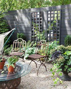 garden trellis // Design Sponge HPG -- mirror from A store and glue on grids. Them paint or stain Trellis Design, Diy Trellis, Garden Trellis, Trellis Ideas, Balcony Garden, Trellis Panels, Privacy Trellis, Trellis Fence, Herbs Garden