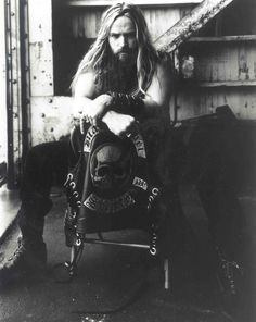 ZAKK WYLDE Strength, Determination, Merciless, Forever. The reason I picked up guitar, a man who preaches endurance and hard work. Ozzy and BLS. Capable of both crushing brutality and delicate beauty.