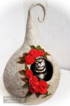 House for Little Elf - House Cat - House felted - felting wool - Rosess - for…