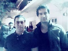 Salman khan#birthday bash#lastnightfarmhouse#panvel#instalike #tbt #follow #instadaily #instamood #Salmaan bhai #me #swag #tflers #nightlifenyc #birthdayparty #partynyc # #nycnightlife #partyspots #nynightlife#celebration#famparties #promoternyc #nyeparty Nye Party, Salman Khan, Birthday Bash, Night Life, Swag, Nyc, Concert, Celebrities, Celebs