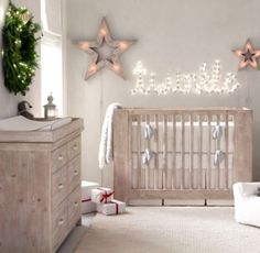 RH baby&child's Callum Crib:Stout corner posts and simple, straight lines define our Callum Crib. A protective safe haven for little ones, it combines tried-and-true functionality with a pleasingly modern aesthetic.