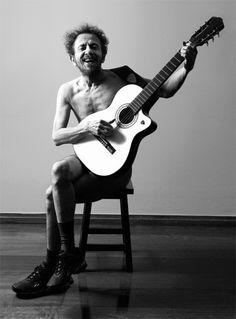Tom Zé é considerado uma das figuras mais originais da música popular brasileira #Nova3idade