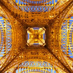 Under the skirt of the Iron Lady by night by Loïc Lagarde on 500px