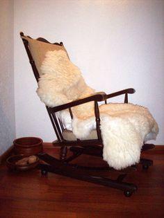 Antiker Schaukelstuhl rocking chair Massivholz Federung bodenschonende Kufen