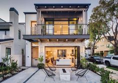 Brandon Architects along with Patterson Custom Homes designed this house with zen-inspired interiors located on the Flower Streets of Corona Del Mar, California. Custom Home Designs, Custom Homes, Backyard Renovations, San Diego Houses, California Homes, White Houses, House Front, Architecture, Interior And Exterior