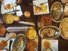 Chcesz poznać nowych znajomych? Zrób to u nas! :) W Namaste India odbywają się spotkania Towarzysko.pl, podczas których możesz pysznie zjeść w towarzystwie ciekawych ludzi. :) Zdjęcie pochodzi ze strony Towarzysko.pl/wydarzenia/kolacja