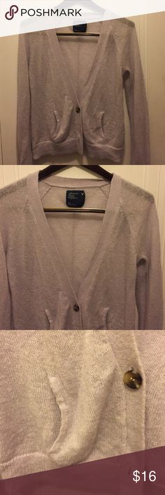 🔸American Eagle NEW LISTING Light purple, 2 buttons and pockets cardigan American Eagle Outfitters Sweaters Cardigans