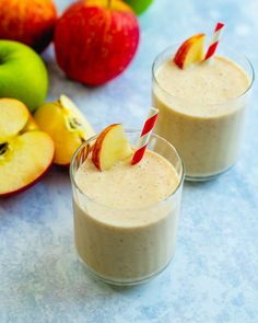 This cinnamon-spiced apple smoothie is creamy and irresistibly tasty! It's full of natural sweetness and packed with protein. | smoothie recipes | apple recipes | breakfast ideas | cinnamon recipes | vegetarian recipes | #apple #applesmoothie #smoothie #smoothierecipe Apple Smoothie Recipes, Apple Smoothies, Vegan Smoothies, Apple Recipes, Blender Recipes, Healthy Yogurt, Vegetarian Recipes, Healthy Recipes