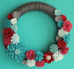 ♥ Handmade Wreath with Felt Flowers and Large Dahlia   14 Inch Gray Yarn Wrapped Wreath   Modern Wreath   Unique and beautiful Wreath to