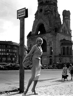 Berlin, 1950., glamorous, sophisticated, elegant german lady early street style photography, german women