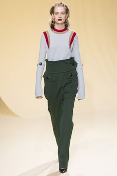 Marni Fall 2016 Ready-to-Wear Fashion Show http://www.theclosetfeminist.ca/ http://www.vogue.com/fashion-shows/fall-2016-ready-to-wear/marni/slideshow/collection#13