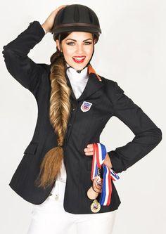http://www.esteticamagazine.com Art Direction: Sherri Jessee Hair: Sherri Jessee for RUSK Photo: Brad Lovell Makeup: Sherri Jessee for PIXI Post Production: Julia Kuzmenko Model: Jacque Carroll