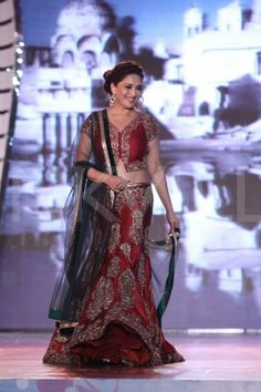 Madhuri Dixit, Preity Zinta walk for Manish Malhotra