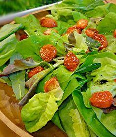 ゆかりさんのサラダが美味しそうで、トマトをグリルしてグリーンだらけの山盛りサラダにのせました。  トマトをグリルしたら、こんなに美味しいんだ~(^○^)何だか嬉しく頂きました。 美味しかったぁ(σ≧▽≦)σ - 52件のもぐもぐ - グリルトマトのせグリーンサラダ by Kei804