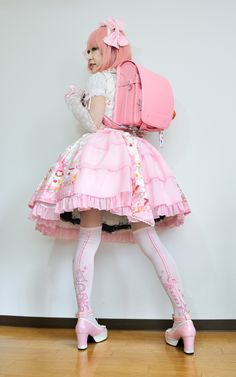 Brolita Pastel Goth Fashion, Quirky Fashion, Kawaii Fashion, Lolita Fashion, Cute Fashion, Girl Fashion, Fashion Outfits, Lolita Shoes, Lolita Dress