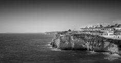 """""""Coastline"""" #carvoeiro #algarve #algarvealive #algarvecoast #algarveportugal #portugal #portugalframes #portugalalive #portugal_lovers #portugal_de_sonho #portugaldenorteasul #blackandwhite #coast #cliffs #ocean"""