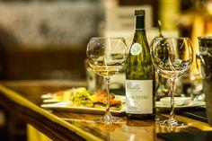 24 сентября в ресторане «VINTAGE» состоялась дегустация элитных белых сухих вин Шабли (фр. Chablis) из одноименного винодельческого региона северной Бургундии (центральная Франция).