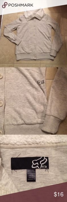 """$12 fox brand jacket Excellent condition! Very soft and cozy.  ✔The price in the beginning of the title of my listings is the bundle price. These prices are valid through the """"make an offer"""" feature after you create a bundle. These bundle orders must be over $15. Ask me about more details if interested.  ❌No trades ❌No holds Fox Jackets & Coats"""