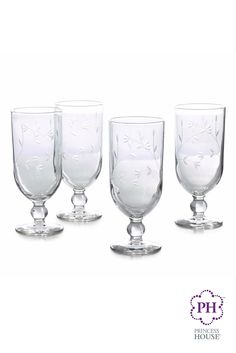 ¿Necesitas ideas para un regalo en el día de las madres? Consigue los Vasos con pedestal Princess Moderna® para las bebidas o postres favoritos de mamá