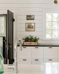 Shiplap Backsplash in Kitchen | Stephanie Sabbe