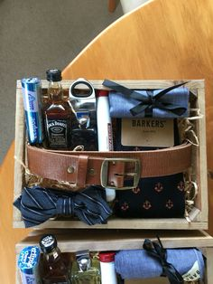 Gift Box Wonderful 30 Manly Groomsmen Gifts Ideas For Your Buddies Groomsmen Gift Box, Bridesmaids And Groomsmen, Groomsman Gifts, Gift Hampers, Gift Baskets, Hampers For Men, Gifts For Wedding Party, Party Gifts, Wedding Favors
