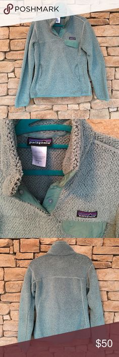 PATAGONIA RETOOL SNAP-T PULLOVER SWEATER SMALL Great preloved condition PATAGONIA RETOOL SNAP-T PULLOVER in size small. The color is like a turquoise. This looks like one of the cross dyed color ways they did a while back (I've had this for quite some time) and I have it to my daughter when I outgrew it, but she doesn't like the color. It's not as soft as it once once, but still very warm. I'd compare it in softness to a synchilla fleece only softer. Length from shoulder to hem is 23in, pit…