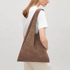 �� by @cosstores ✨ . . . #fashion#travel#clothing#ootd#outfit#photo#design#bag#daily#dailylook#데일리#데일리룩#디자인#오오티디#아웃핏#아트#일상#소통#블로그#의류#여행#패션#마켓#가방#쇼핑#셀카#아이폰#첫줄#포토그래퍼#디자인#휴일 http://tipsrazzi.com/ipost/1505528314549457577/?code=BTktgaEA1Kp
