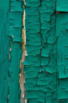 Jaded: peeling paint