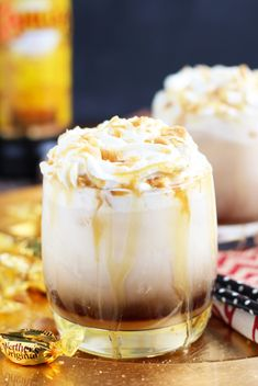 This Caramel Creme Brulee White Russian is inspired by one of my favorite seasonal latte flavors at Starbucks. The addition of vanilla and caramel syrup, a Winter Cocktails, Christmas Cocktails, Christmas Martini, Thanksgiving Cocktails, Holiday Drinks, Easy Delicious Recipes, Yummy Food, Amazing Recipes, Yummy Yummy